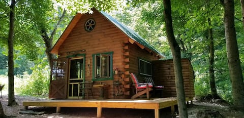 Arrowhead Ridge Off-Grid Cabin #2