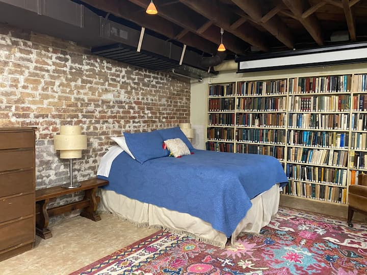 Library Apartment next to UNC and downtown