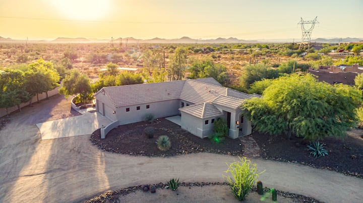 Ironwood by AvantStay | Secluded Ranch Home w/ Pool & Private Horse Stables!