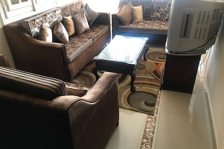 3 bedrooms apt. In the heart of CAi