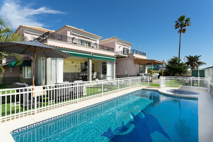 Villa Dalara Maspalomas, Private Pool and Jacuzzi