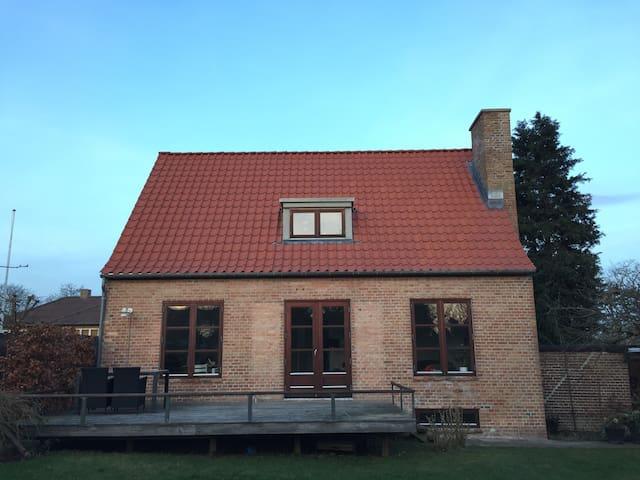 Villa in Risskov/Aarhus near beach and forrest - Risskov - Dom