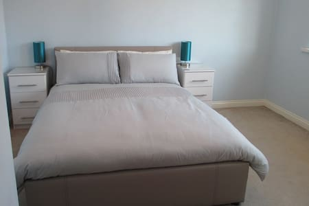 Comfortable Private Double Room close to the Sea - South Shields - Rumah