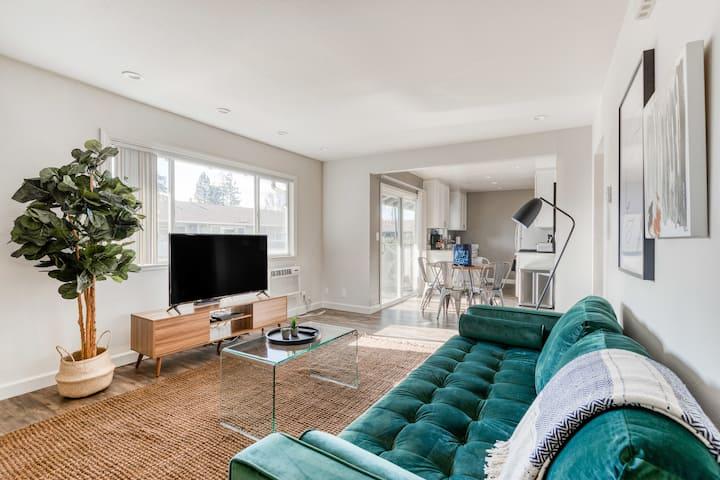 Superb 2BR Condominium in Mountain View