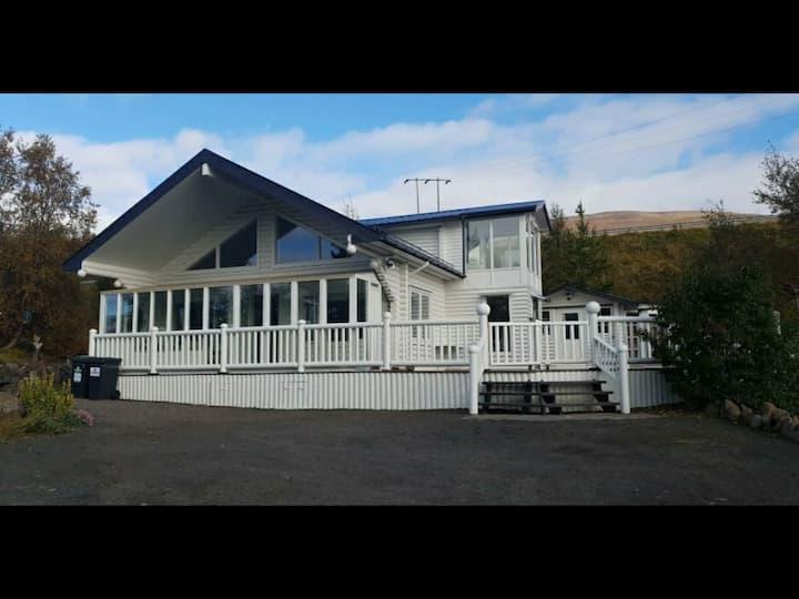 Leifsstaðarbrúnir 13-Grand Summer House
