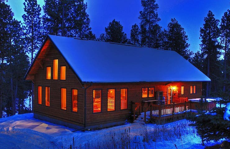 Secluded Pines Cabin in the Black Hills - Nemo - Cabaña