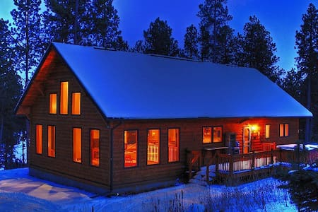 Secluded Pines Cabin in the Black Hills - Cabane