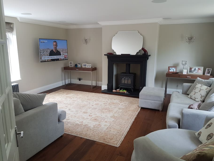 Full use of  lounge room