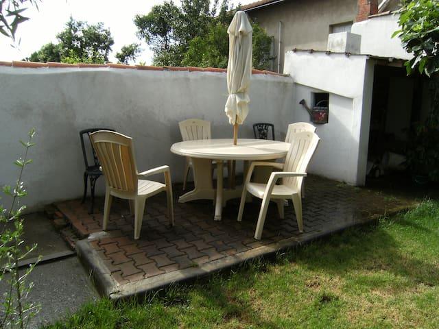 charmant gîte proche cité médiévale - Carcassonne - Appartement