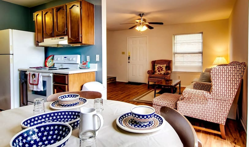 Aggieland 2 Bedroom Apartment Pets Welcome