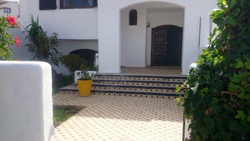 Villa a cabo negro a50m de la plage