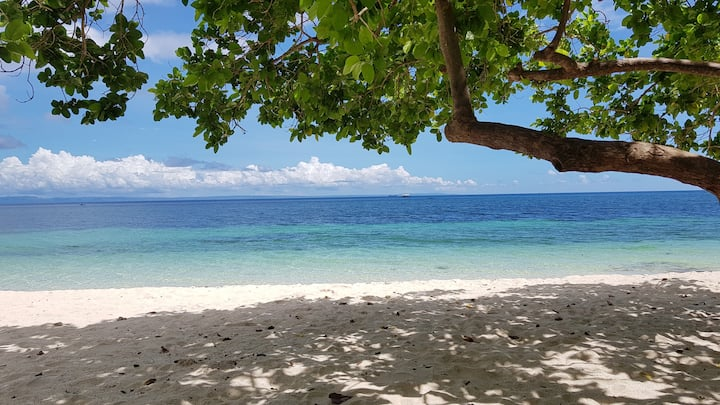 White Beach Vacation House in Camotes Island - O