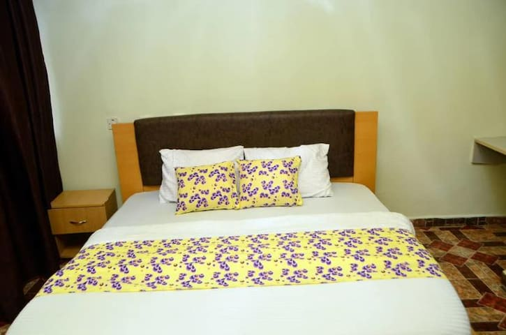 De Haven Suites-Semi Standard Room