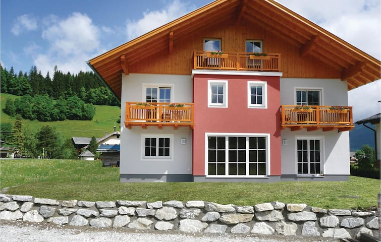Holiday apartment with 3 bedrooms on 90 m² in Flachau