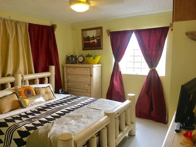 Private room with King Bed fully secured complex.