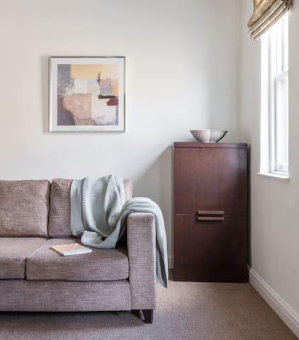 SACO Bath One Bedroom Twin Apartment