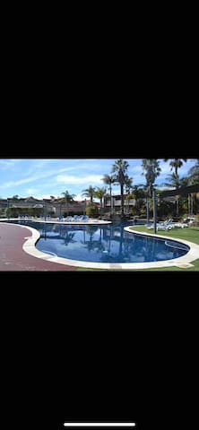 Cypress House on Lake Mulwala Luxury from $100pppn