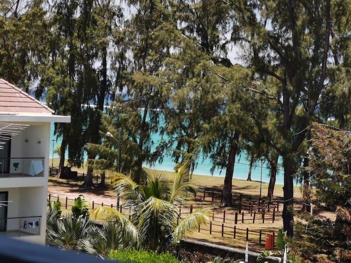 Short walk to the beach & mountain views