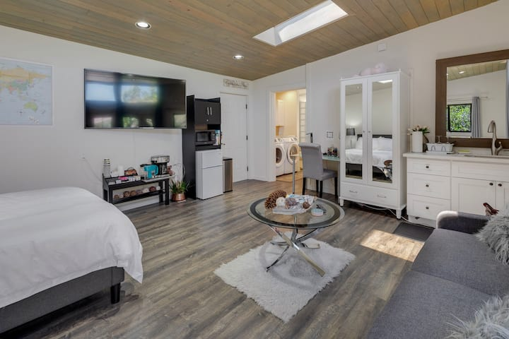 Sparkling Clean Private Luxury Guest Suite Near SF