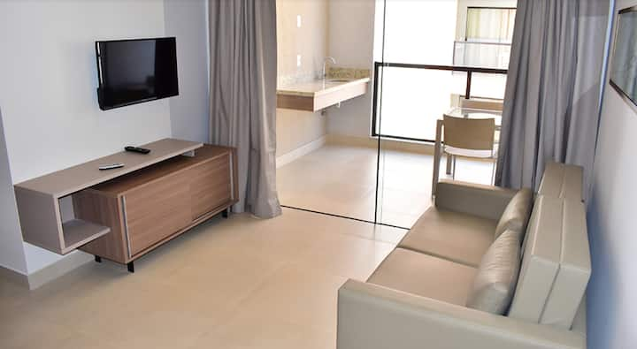 Apartamento de 2 quartos, completo e confortável.