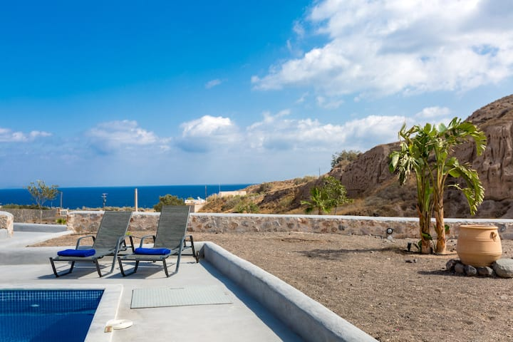 Desiterra 2 bed villa with private pool & sea view