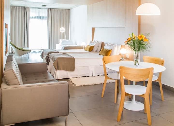 ★★★★★Brand New Boutique Balcony Suite in San Telmo