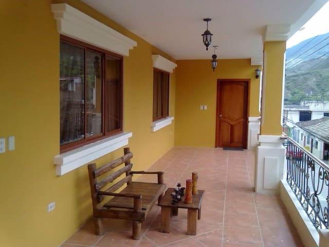 Casa de huéspedes, Parque central de Vilcabamba - Vilcabamba - Dům pro hosty
