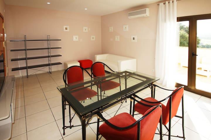 APARTAMENTO CON TERRAZA SANT JORDI - Sant Jordi - Apartment
