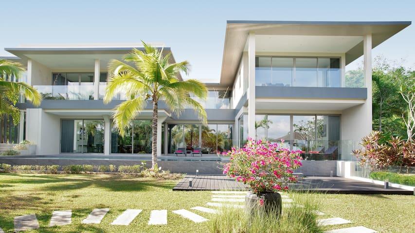 Villa 61 (4-Bedroom Pool Villa)