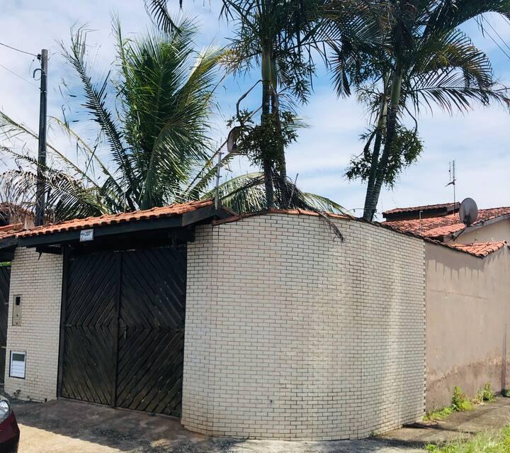 Casa em Caraguatatuba,  2 d (1 s) , pet friend.