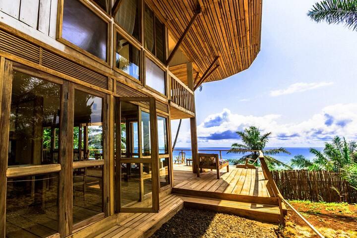 Unama Coastline House