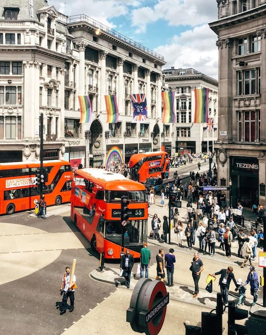 Welcome to our home in the heart of London...Oxford Circus is just 2 stops away!