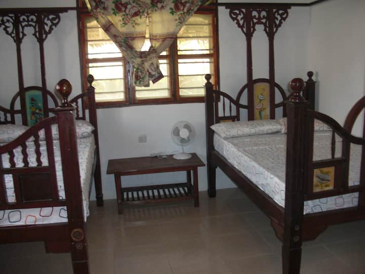 Racoco Villa-2 Double/Twin bed(1 min to beach)