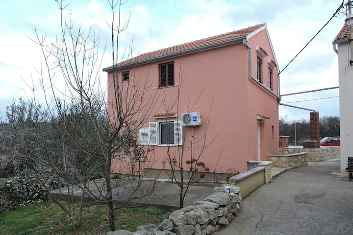 Studio flat with air-conditioning Veli Rat (Dugi otok) (AS-436-b)