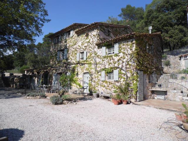 Maison de charme à Salernes - Villecroze - Dom wakacyjny