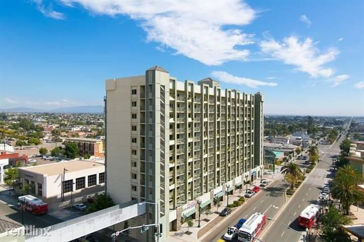 National City Penthouse, 360 Views. Near Gaslamp!