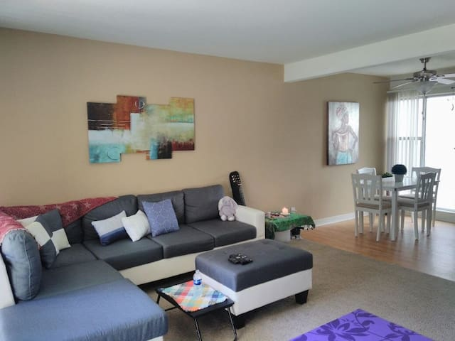 1 bedroom apt available for sharing @ Walnut Creek
