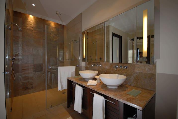 Luxury Apartment Eden Island - Mahé