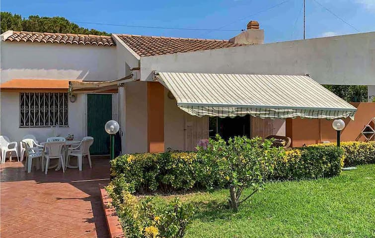 Holiday cottage with 2 bedrooms on 71m² in Fontane Bianche