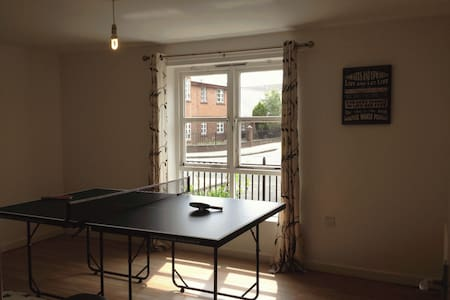 Large 3 Bed Ground Floor Flat Near City Centre - Manchester - Huoneisto
