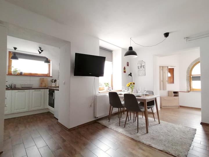 Apartment Tela