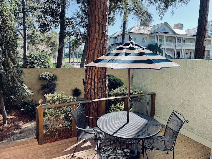 905 Cutter Court/1 BR/1BA golf view from patio