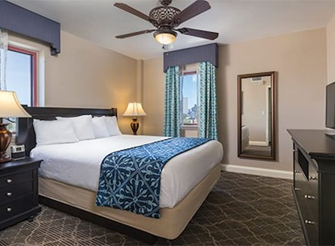WorldMark New Orleans - Avenue Plaza, LA Resort