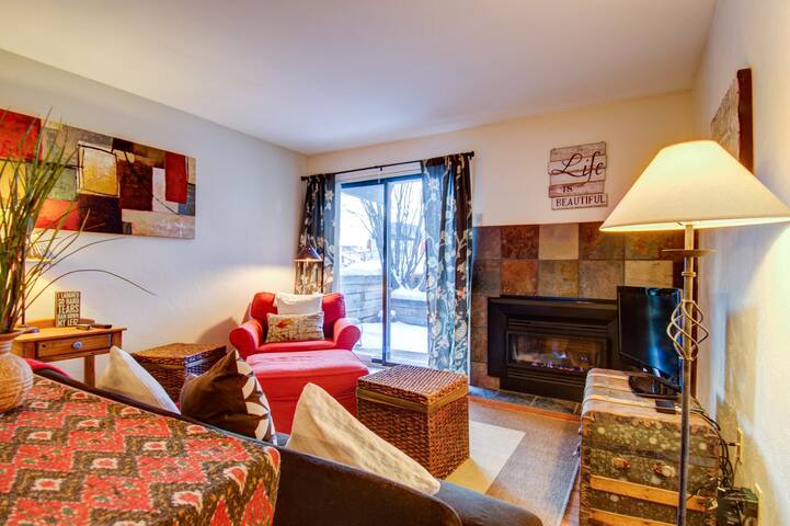 Cozy Condo Steps from Beaver Creek Ski Resort