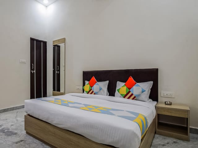 OYO - Elegant Home Studio, Udaipur-Price Strikes!