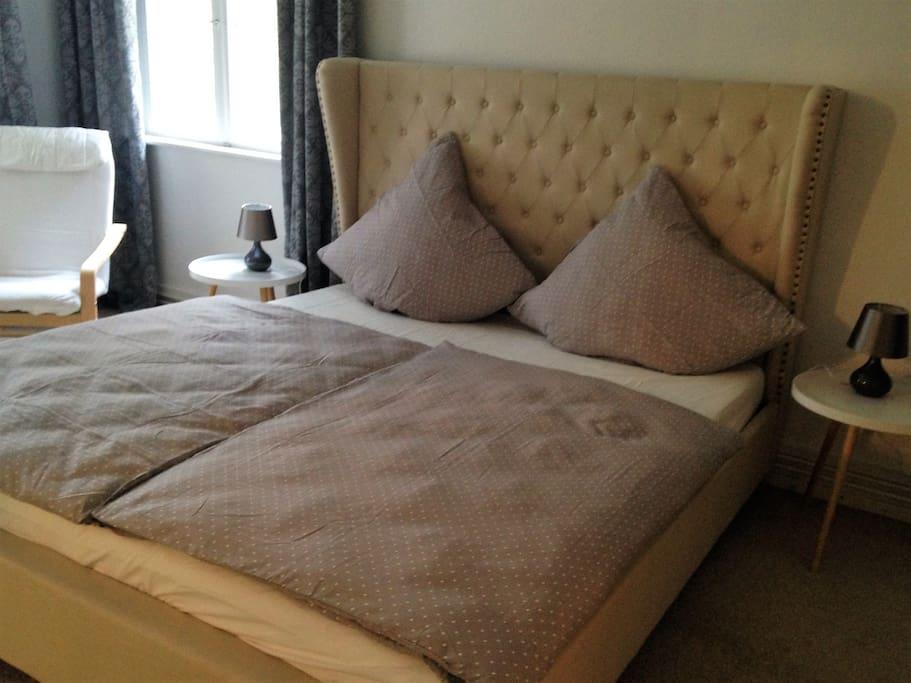Elegantes Schlafzimmer 1