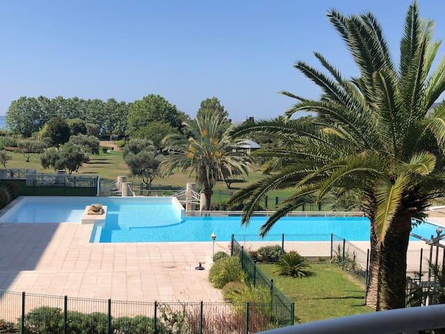 Juan les pins swimming pool and beach, WiFi, park