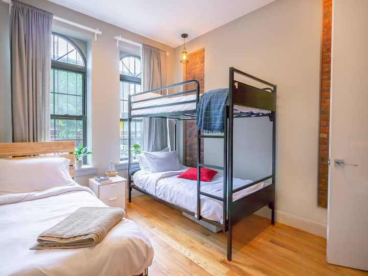 Spacious shared room in modern Bed-Stuy/ M,J,Z,G