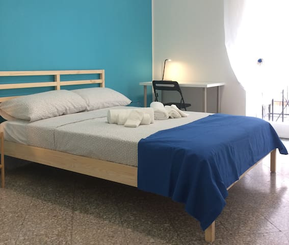 BB11/R2-Bright double bedroom with all comforts
