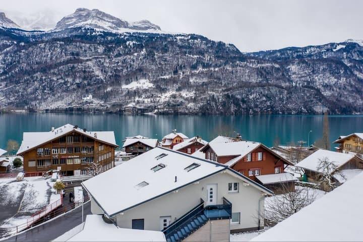 Luxury apartment betw. lake & mountains-PENTHOUSE